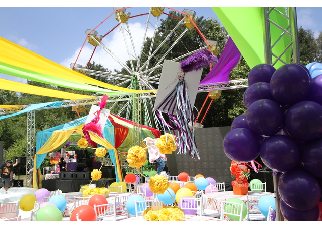 Moments by Wayne created an amusement park complete with rides, carnival booths and entertainment in Malibu, California